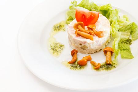 huzarensalade: Russische salade met champignons