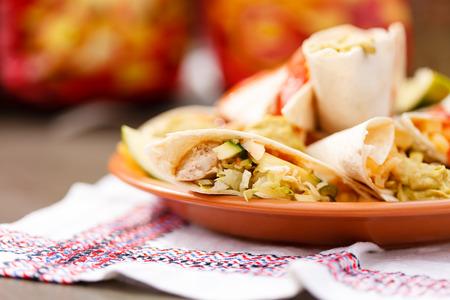 cruda: tortillas with dip