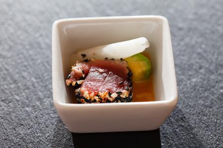 tuna fillet: tuna with avocado