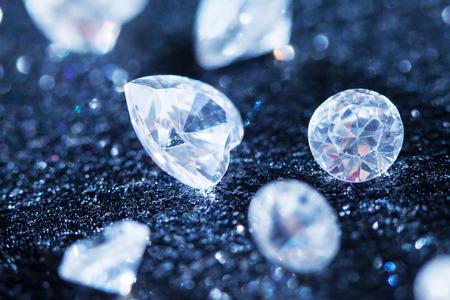 diamantina: diamantes en fondo negro Foto de archivo