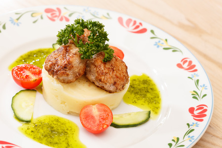 mashed potatoes: Meat cutlet with mashed potatoes