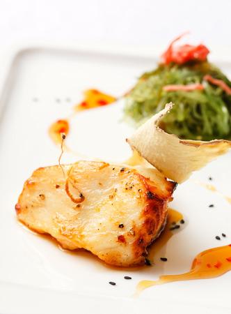 tilapiini: fish with vegetables