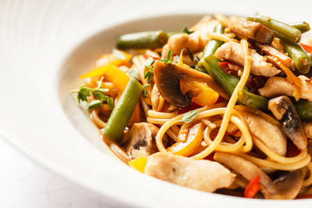 mee pok: noodles with chicken