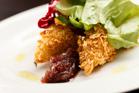 Chicken Nuggets: nuggets de pollo con ensalada