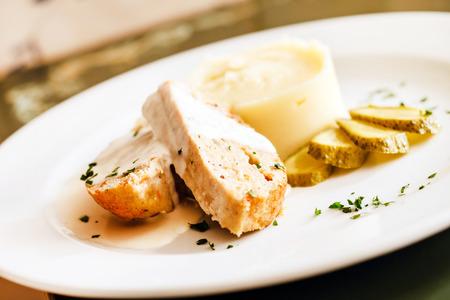 pure de papas: carne con puré de patatas Foto de archivo