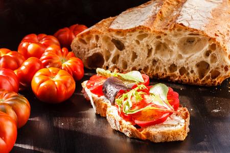 bruschetta: Bruschetta with tomato