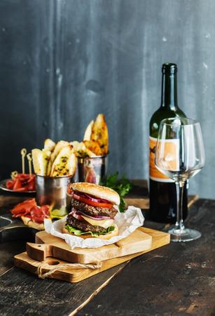 tasty burger Reklamní fotografie - 39962076