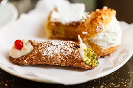 pastry: Italian pastries