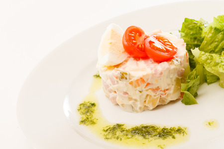 russian salad: Ensalada rusa
