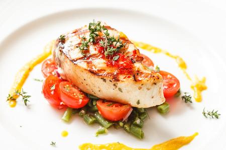 comidas saludables: filete de pescado con verduras