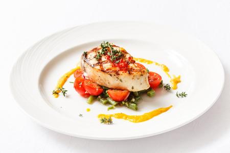 魚のステーキ野菜添え