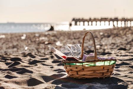 picnic blanket: picnic on the beach