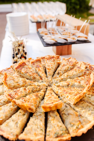 catering: catering food