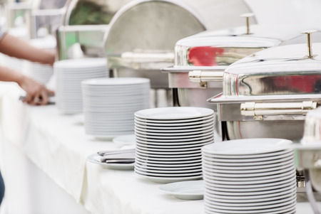 cater: catering food
