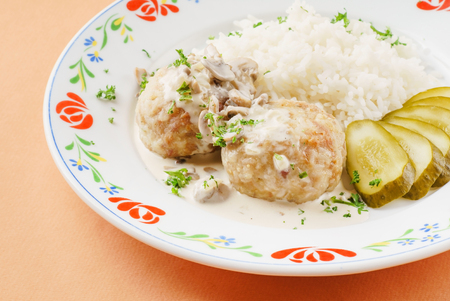 nutritiously: meatballs with rice