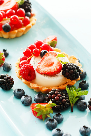 short crust pastry: berries tart