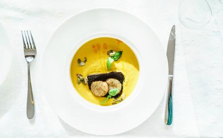 scallops: cream soup with scallops
