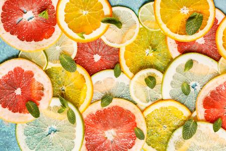 pummelo: citrus slices