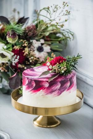 ombre cake: wedding cake