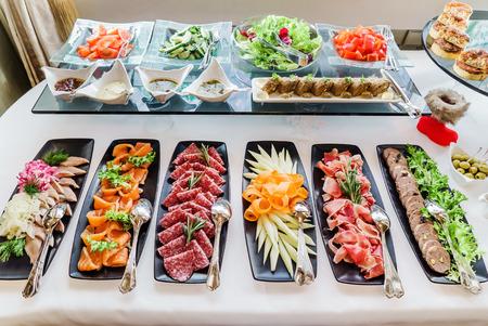 catering slavnostní stůl