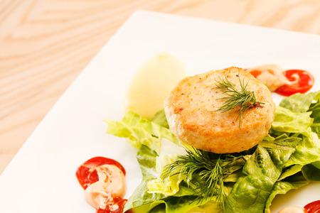 pure de papa: chuleta de pollo con puré de patatas