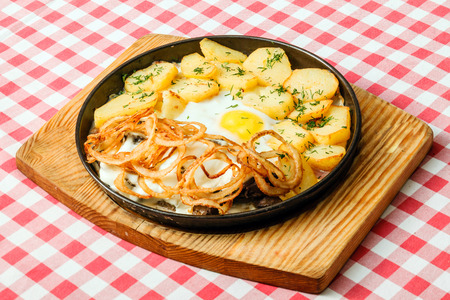 chippy: potatoes with egg