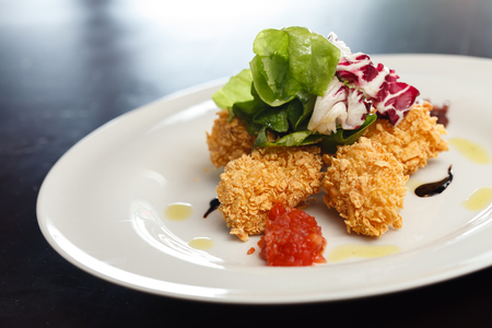nuggets: chicken nuggets with salad