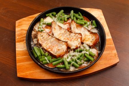 ejotes: pescado asado con jud�as verdes