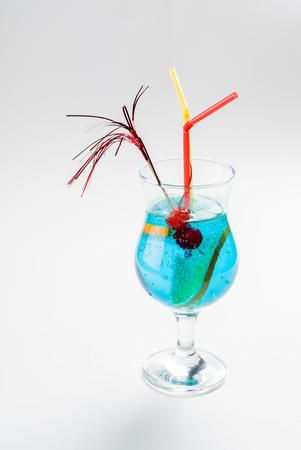 blue hawaiian drink: summer cocktail