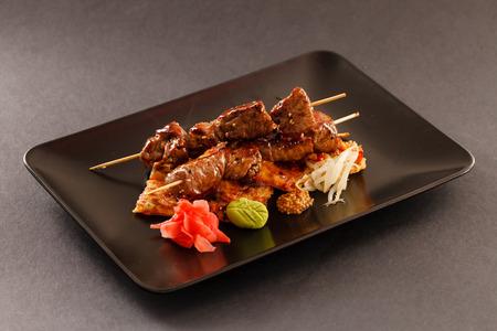 carne asada: pinchos de carne a la parrilla