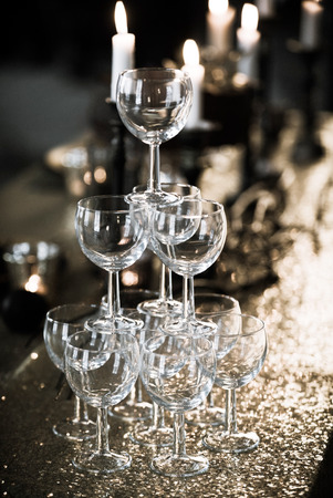 champagne flutes: champagne flutes