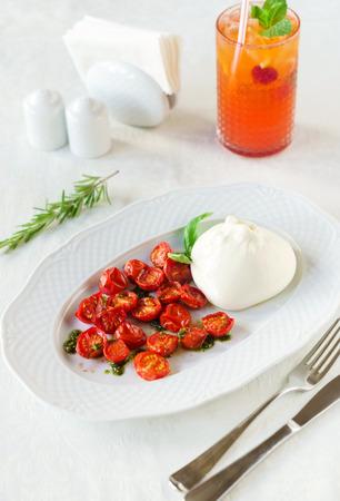 stracciatella: burrata salad