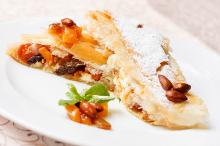 filo pastry: strudel with cottage cheese