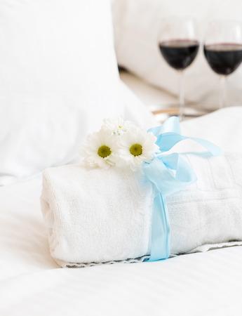 boutique hotel: White towel in luxury boutique hotel Foto de archivo
