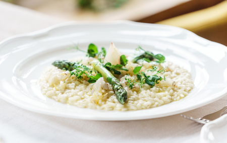 risotto with asparagus 版權商用圖片