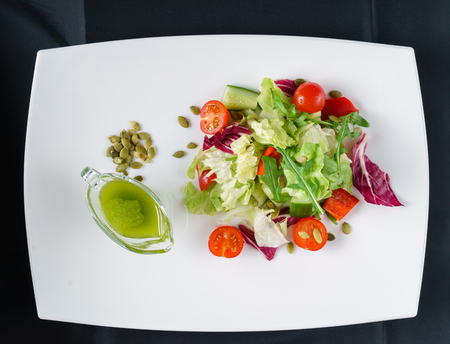Salade fraîche Banque d'images - 78177591