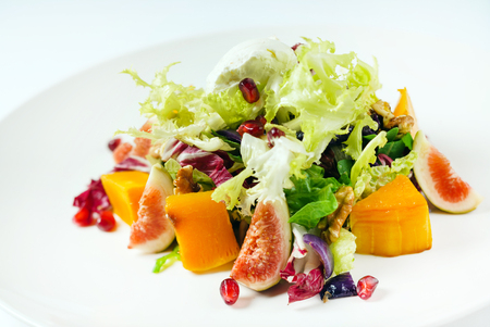 salad with figs and pumpkin