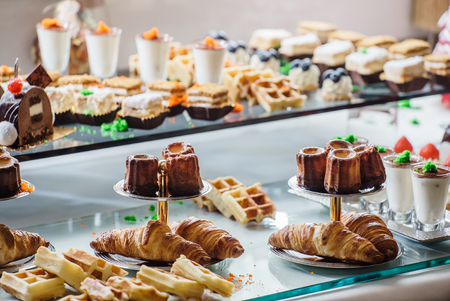 pastries on the brunch table Imagens
