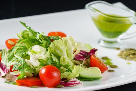 fresh salad Imagens - 80051001