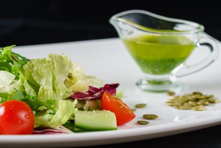 Salade fraîche Banque d'images - 80050963