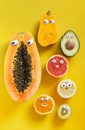 Lustige Früchte und Gemüse Standard-Bild - 80957953