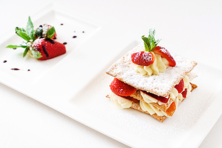 dessert with strawberries 版權商用圖片