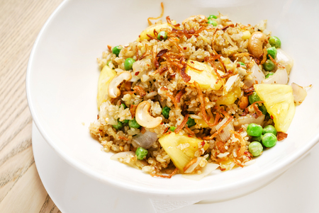 stir fry with chicken and pineapple 版權商用圖片