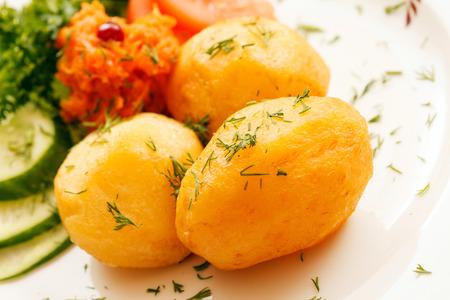 Gekochte Kartoffeln Standard-Bild - 81719260