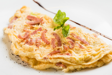 omelet with bacon Banco de Imagens - 81800414