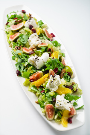 Salat mit Feigen aus nächster Nähe Standard-Bild - 85281100