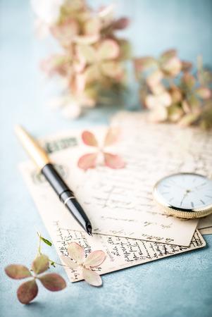 アジサイの花とヴィンテージのポストカード 写真素材