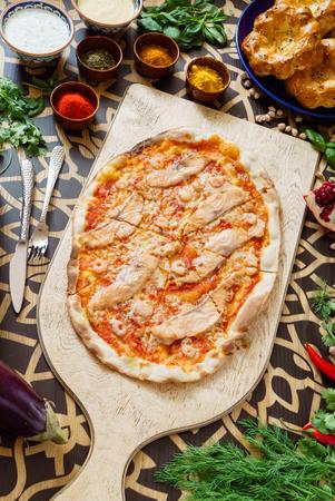 Leckere Pizza Standard-Bild - 85975497