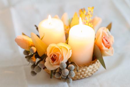 좋은 꽃과 촛불 스톡 콘텐츠