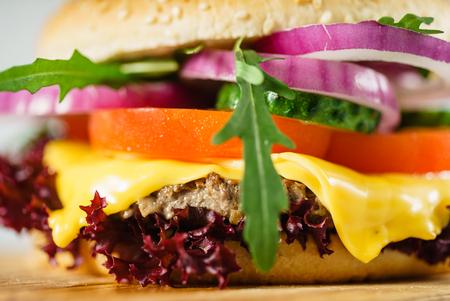 おいしい牛肉のハンバーガー 写真素材